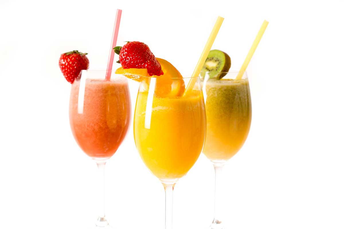 Nước ép từ rau quả là phương pháp hữu hiệu làm cơ thể thon thả, trắng đẹp không cần tốn nhiều tiền bạc.